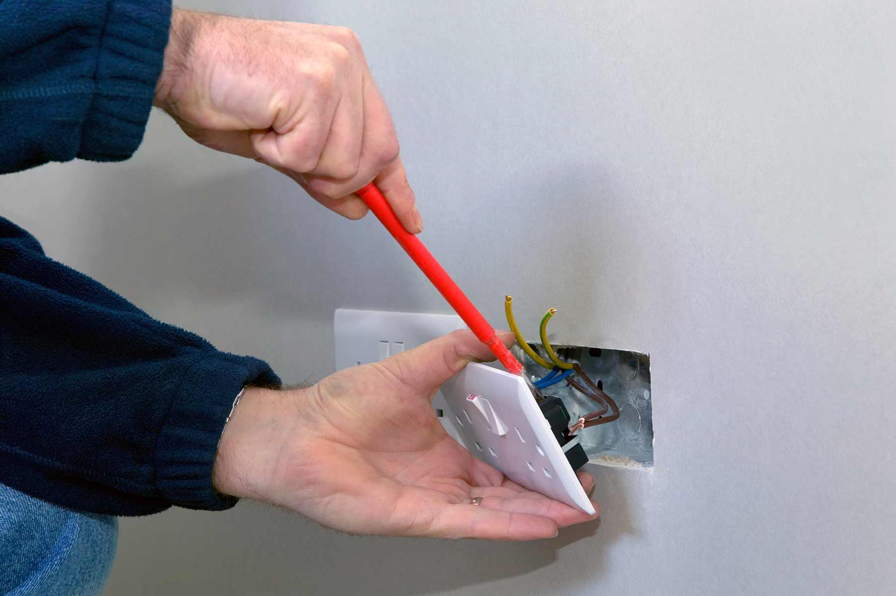 Our electricians can install plug sockets for domestic and commercial proeprties in North Harrow and the local area.